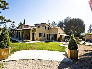 Vacation Rental in Provence within Walking Distance of Town - Maison Cereste - Alpes de Haute-Provence vacation rentals