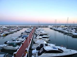Frontline Marina, Puerto Banus Top floor apartment - Nueva Andalucia vacation rentals