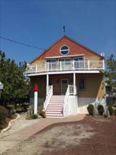 Perfect House with 3 BR & 3 BA in Cape May Point (27757) - Image 1 - Cape May Point - rentals