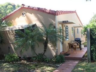 Relaxing 1 Bedroom Apartment Fort Lauderdale Beach - Fort Lauderdale vacation rentals