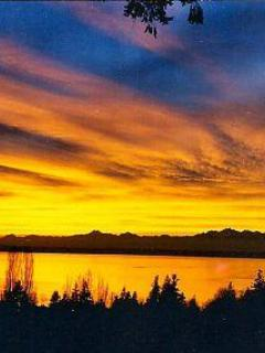 Awesome sunsets of Puget Sound, Olympic Mountains, Whidbey Island - **Seattle Paradise Hot Tub Sound & Mtn 180 Views** - Mukilteo - rentals