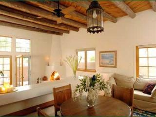 Old Santa Fe Trail - Sunny, 10 min. Walk to Plaza - Santa Fe vacation rentals