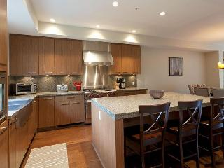Fitzsimmons Walk - Deluxe 4 bedroom plus media room - Whistler vacation rentals