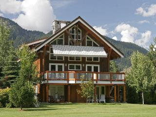 Luxury 5 bedroom Whistler Chalet on Golf Course - Whistler vacation rentals