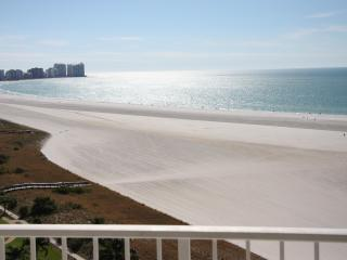 ON THE BEACH 2BED/2BATH CONDO,FREE WIFI, HUGE POOL - Marco Island vacation rentals