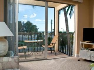 Enjoy Siesta Key Beach with a Gulf View! - Sarasota vacation rentals