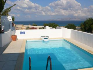Kamari Villas-A p.pool or p.outdoor Jacuzzi, Naxos - Cyclades vacation rentals