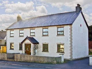 LA CALA, family friendly, luxury holiday cottage, with a garden in Penderyn, Ref 5108 - Penderyn vacation rentals