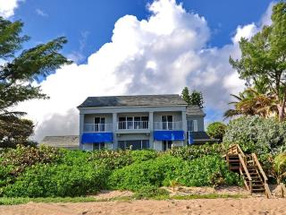 Right on the sand of the Beach on Hillsboro Mile - Hillsboro Beach vacation rentals