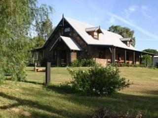Bonn Abbey Hunter Valley - Broke vacation rentals