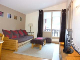 chamonix 1 bedroom apart, balcony  facing Mt blanc - Rhone-Alpes vacation rentals