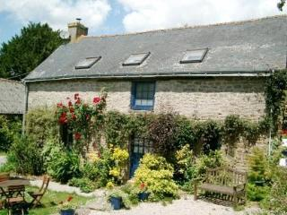 Mimosa Cottage a Beautiful 3-Bedroom 15C Cottage - Brittany vacation rentals