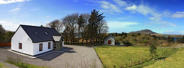 Red Deer Cottage and storage shed - Red Deer Cottage in Stunning Location (Free Wi-Fi) - Letterfrack - rentals