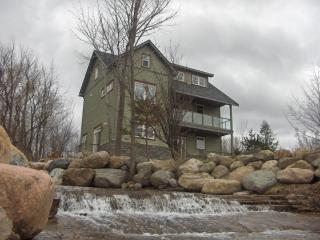 Shale Beach House,  Blue Mountain Collingwood Ont. - Ontario vacation rentals