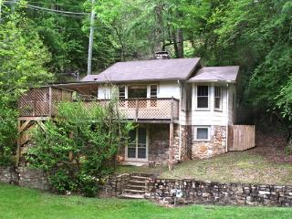 STORYBOOK ROMANCE - Gatlinburg vacation rentals