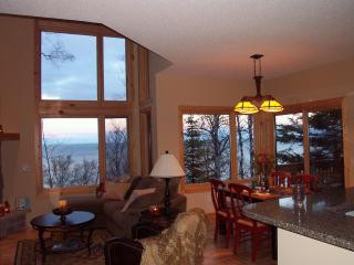 Lake Superior Luxury Rental - beautiful lake view! - Minnesota vacation rentals