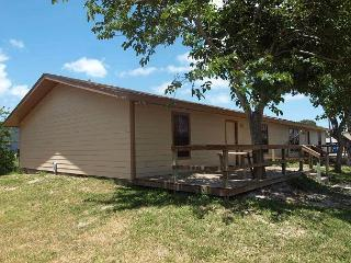 2 bedroom 1bath duplex in the heart of Port Aransas! - Port Aransas vacation rentals