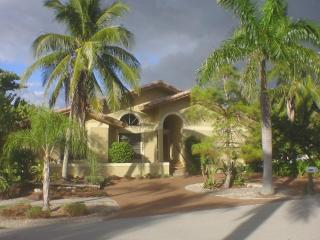Marco Island waterfront home with pool,spa, garden - Marco Island vacation rentals