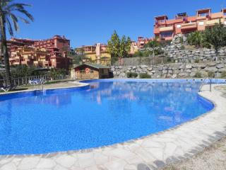 Lux. apart, family, near beach, golf (4-6pe) wi-fi - Malaga vacation rentals
