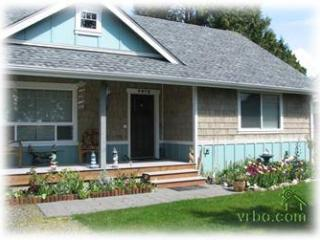 Leave Your Cares At Home With This Lovely Cottage - Blaine vacation rentals
