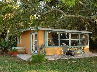V-Ibis Cottage by the Sea - Cedar Key, FL - Cedar Key vacation rentals