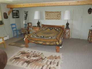 guest house and weaving studio no of Santa Fe - Espanola vacation rentals
