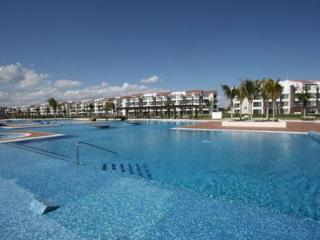 Nick Price Golf Course Beachside Condo – Cielo - Playa del Carmen vacation rentals