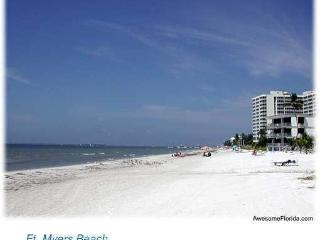 Tommy's Grand Beach Villa , Very Private Pool/ Spa - Fort Myers Beach vacation rentals
