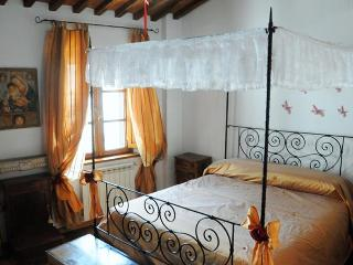Anfiteatro apartment Daisy - Lucca vacation rentals
