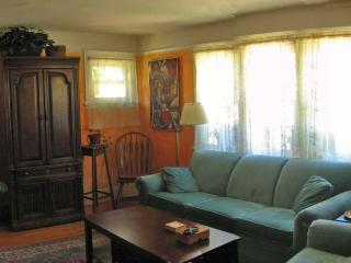 2 BR Tuscan Cottage in Monet Gardens - Venice Beach vacation rentals