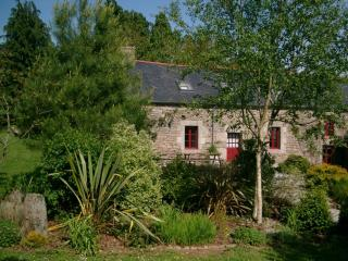 Mimosa Lodge a Beautiful 5-Bedroom 15C Cottage - Brittany vacation rentals
