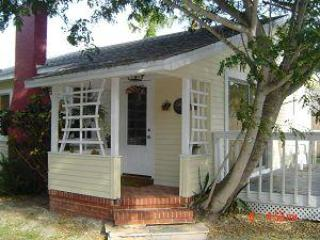 MID ISLAND BEACH COTTAGE, WINTER & SUMMER SPECIALS - Image 1 - Fort Myers Beach - rentals