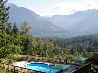 MountainView Retreat swimming pool hot tub 19 acre - Vancouver Coast vacation rentals