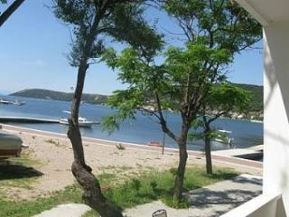 3656 A2(2+1) - Supetarska Draga - Island Rab vacation rentals