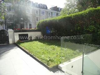 Stylish contemporary 2-bed apartment with garden access - London vacation rentals