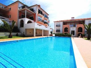 Wonderful Beachside 3 bedroom/3 bathroom apartment - Obidos vacation rentals