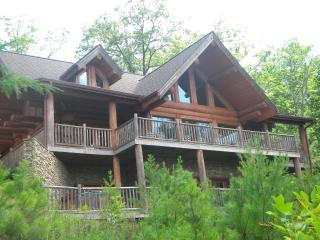 Grizzlys Den-Luxury 5 BR home in the Smokey Mtns - Gatlinburg vacation rentals