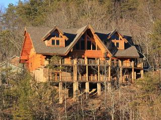 Southern Cross, Beautiful Luxury Log Home - Gatlinburg vacation rentals