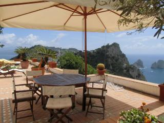 Capri - Villa with a nice sea view on Faraglioni - Capri vacation rentals