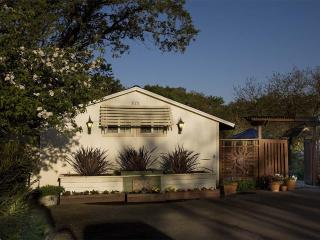 CASITA CARNEROS  Pet friendly wine country cottage - Sonoma vacation rentals