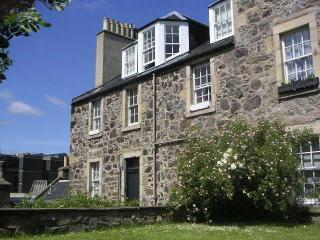 Super-Central Breathtaking Romantic Apartment, 2-4 - Edinburgh vacation rentals