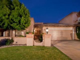 Luxury 2 Bed Patio Home  Wi-Fi, Pool, 30% off Golf - Scottsdale vacation rentals
