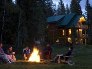 Eh Canadian Lodge - Kootenay Rockies vacation rentals