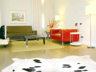 Latina Loft Fantastic Area Madrid centre - World vacation rentals