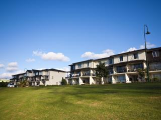 Botany Downs Waldorf Furnished Apartments - Sydney vacation rentals