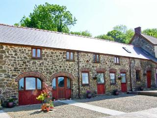 THE CART SHED, pet friendly, country holiday cottage, with a garden in Haverfordwest, Ref 7188 - Haverfordwest vacation rentals