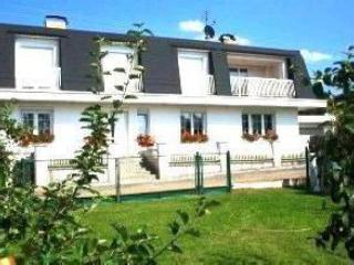 Front view - Spacious Apartment near Lake - Plzen - rentals