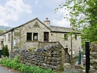 THE DAIRY, pet friendly, character holiday cottage, with a garden in Starbotton, Ref 5694 - Starbotton vacation rentals