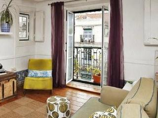 Center! Center! Center! Great 1790 apartment! - Lisbon vacation rentals