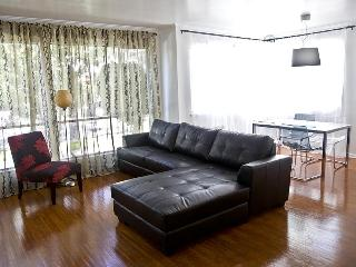 Beverly Hills Vacation Condo 2 Minutes to Rodeo Dr - Beverly Hills vacation rentals